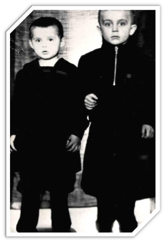 Дети Свищиковых Вова и Аня